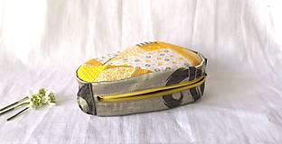 Taštičky - Kozmetická taštička s patchworkom žltá   - 13167912_