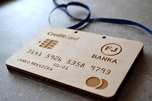 Drevená obálka na peniaze bankomatová karta