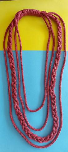 Náhrdelníky - Textilný šperk s vrkočom bordový - 13166271_