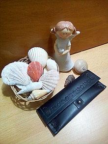 Peňaženky - Kožená peňaženka - čierna, zdobená, obdĺžniková - 13169109_