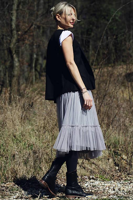 Tylová sukňa šedá