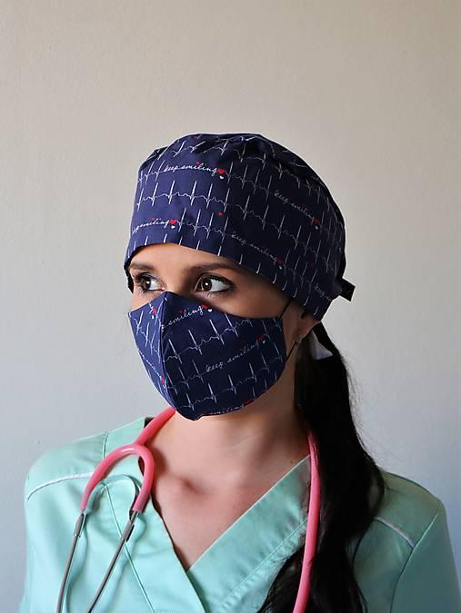 Dizajnová operačná / chirurgická čiapka EKG modré