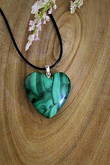 Náhrdelníky - malachit srdce prívesok - v striebre (veľké srdce) - 13171423_