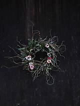 Dekorácie - Svieži jarný veniec (kruh) - 13172676_