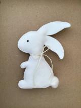 Dekorácie - Veľkonočný zajačik biely ekologický  - 13179984_