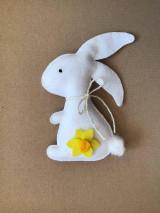 Dekorácie - Veľkonočný zajačik biely ekologický  - 13180064_