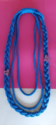 Náhrdelníky - Textilný šperk s vrkočom modrý - 13179442_