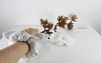 Ozdoby do vlasov - Angelika - mušelínová gumička do vlasov, scrunchie - 13185317_