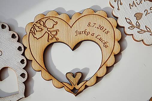 Svadobná drevená magnetka (srdce a labúťky natural)