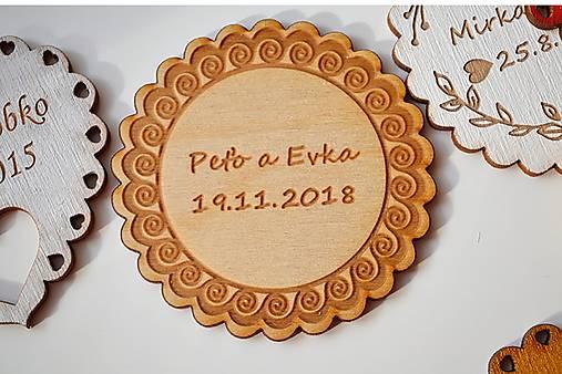 Svadobná drevená magnetka (ľudová kruh natural)