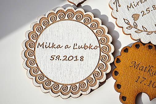 Svadobná drevená magnetka (ľudová kruh biela)