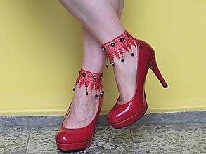 Iné šperky - Červené nákotníky s príveskami - 13188101_