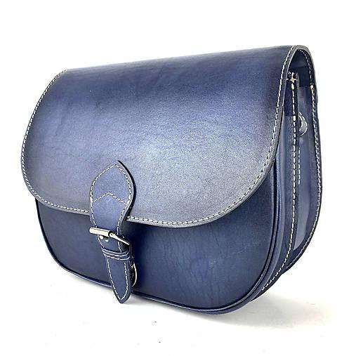 Kabelky - Kožená lovecká kabelka v tmavo modrej farbe, ručne tieňovaná - 13190080_