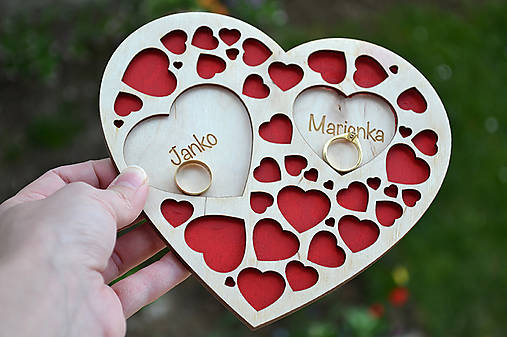 Svadobný tanierik Srdcia v srdci (Farebný)