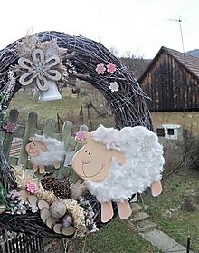 Dekorácie - Jarný veniec z brezového prútia s ovečkami - 13197573_