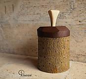 Krabičky - Drobná lipová krabička s jasanovým víčkem - 13195069_