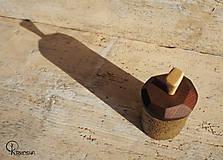 Krabičky - Drobná lipová krabička s jasanovým víčkem - 13195073_