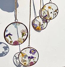 Dekorácie - Závesné dekorácie s lúčnymi kvetmi - 13198924_