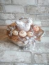 Dekorácie - veľkonočná dekorácia s keramickou sliepočkou - 13205723_
