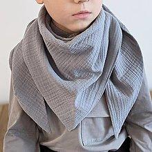 Detské doplnky - Mušelínový šálik - grey - 13209575_
