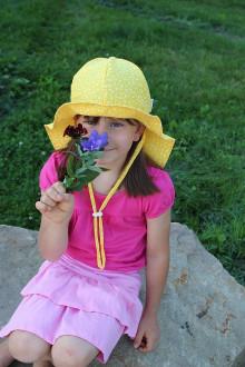 Detské čiapky - Rastúci klobúčik Pampalíni - 100% Ba - Kvítky na žluté - 13210809_