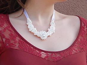Náhrdelníky - Jemná biela - náhrdelník - 13212088_