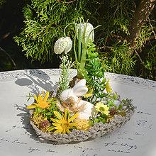 Dekorácie - Jarná dekorácia so zajačikom - 13214174_