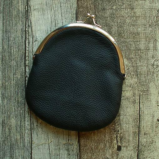 Peňaženky - Kožená peněženka s kovovým rámečkem - černá - 13220589_