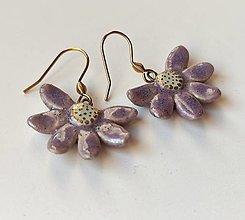 Náušnice - keramické náušnice- kvietky fialové - 13226612_