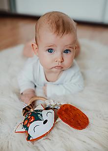 Hračky - Hrkálka s hryzadlom líška Campsite - 13227360_