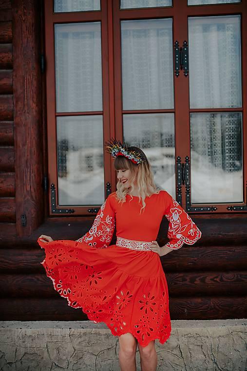 madeirové šaty Očovianka