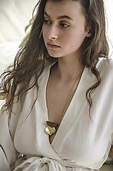 Náhrdelníky - Výrazný náhrdelník/ˈhaptɪk/ orech+mosadz - 13230446_