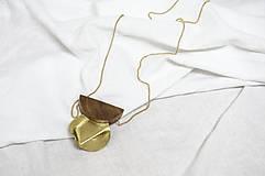 Náhrdelníky - Výrazný náhrdelník/ˈhaptɪk/ orech+mosadz - 13230447_
