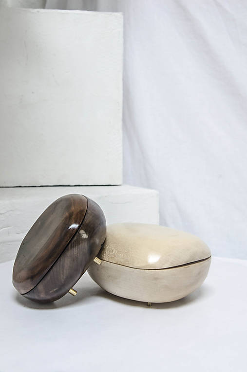Šperkovnica /ˈhaptɪk/ americký orech