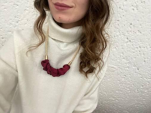 Scrunchie náhrdelník - krémová & bordo