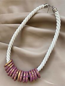 Náhrdelníky - Růžovozlaté kroužky na laně - 13229445_