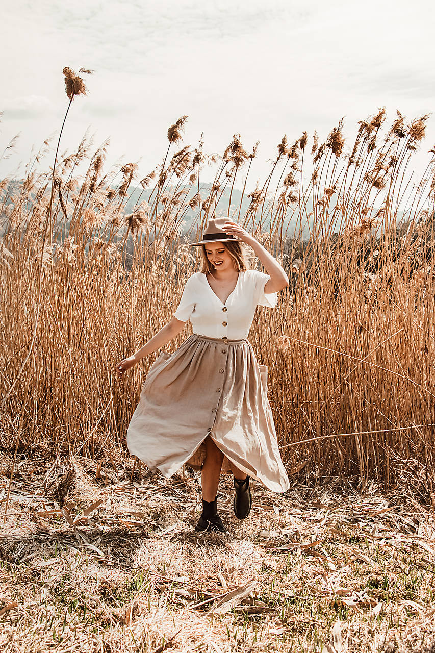 Ľanová sukňa s veľkými vreckami (piesková - prírodná)