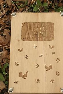 Pomôcky - Gravírovaný lis na byliny a listy s témou lesa alebo lúky - 13233540_