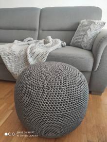 Úžitkový textil - Sivý háčkovaný puf - 13233581_