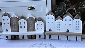 Nábytok - Biely domčekový vešiak - 13235515_