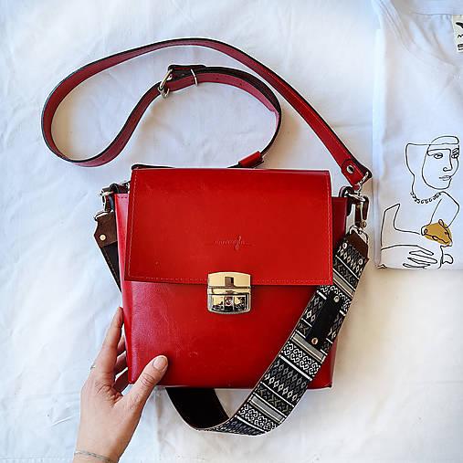 Kabelky - Kožená kabelka Nia (červená) - 13234935_