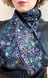 Šály - Kvety galaxie-hodvábny šál - 13236335_