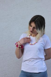 Náhrdelníky - Drevený náhrdelník ružový - 13238453_