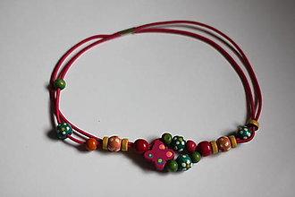 Ozdoby do vlasov - Detská ružová korálková čelenka s motýľom - 13244415_