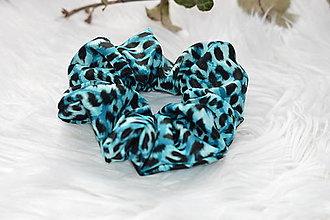 Ozdoby do vlasov - Modrá tigria gumička scrunchie - 13242603_