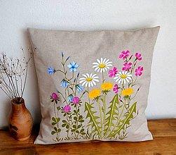 Úžitkový textil - Vankúš-ručne maľovaný - Pestré lúčne kvety - 13247189_