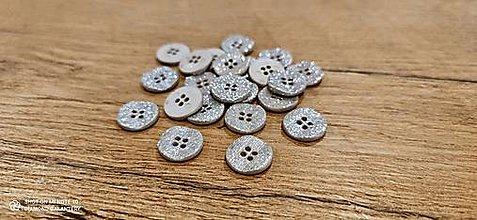 Galantéria - Plastový gombík 16 mm - s trblietkou strieborný - 13255185_