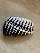 Dekorácie - Maľovaný kameň - DEŇ A NOC - 13254081_