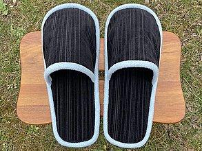 Obuv - Čierne menčestrové papuče - 13251760_