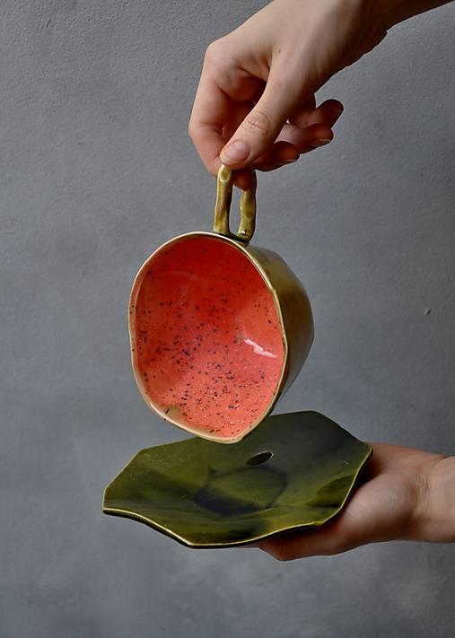 tanierik, podšálka kubistická
